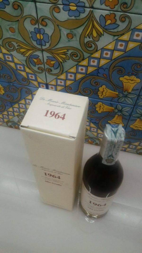 "Acquavite di Vino ""Alto Grado"" 1964 – Dr. Mario Montanaro Vol.52% cl.70"