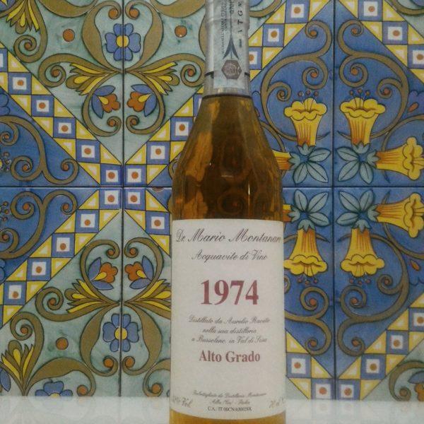 "Acquavite di Vino ""Alto Grado"" 1974 – Dr. Mario Montanaro Vol.52% cl.70"