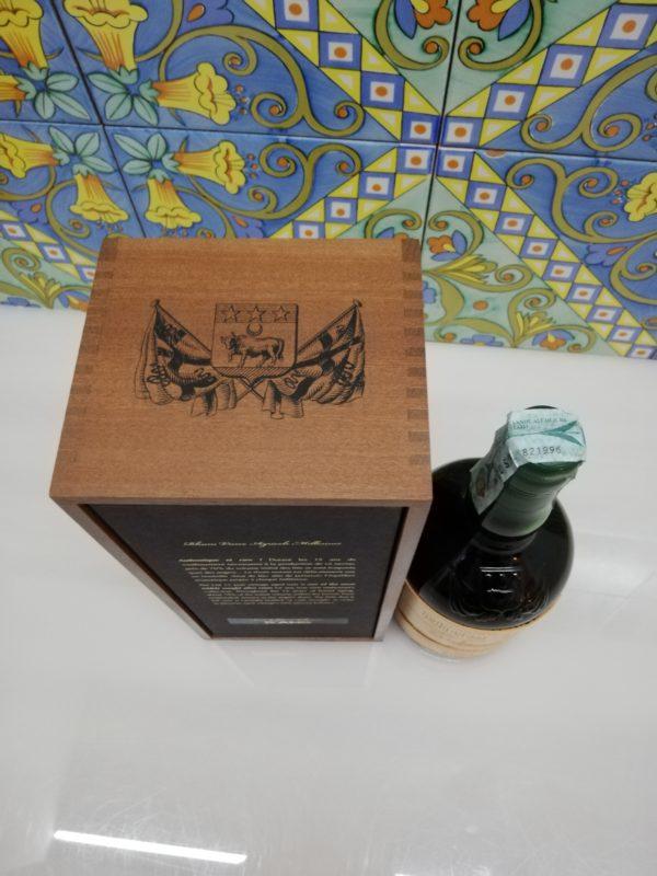 Rum J.M. Agricole Martinique 2002 15 y.o.  Vol.41,5% cl.70 wood box