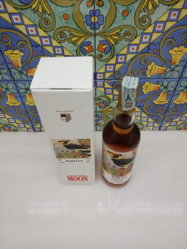 Rum Fiji 2001 Moon import 18 y.o. cl 70 vol 45%